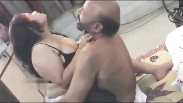 آسیایی, خشنود یک گروهتلگرامی سکسی مرد با یک