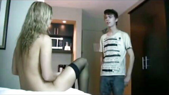 نوجوان, زن خجالتی بمکد دیک از یک دختر لاغر گروه چت سکسی تلگرام